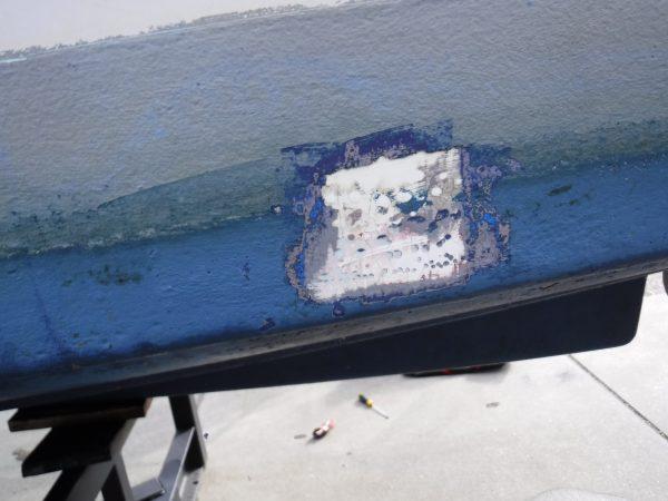 Onderwaterschip totaal gebarsten laminaat.